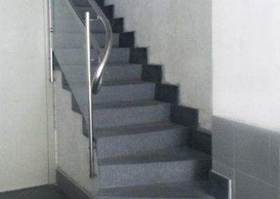 Portal, escalera
